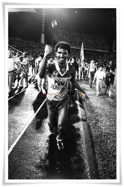 3hb Mei 1986 (Sabtu): Trofi Piala Malaysia Terakhir Supermokh.