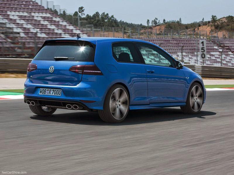 VW Golf R - foto traseiro de 2014