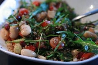 gem se esskapaden quinoa rucola salat mit bohnen. Black Bedroom Furniture Sets. Home Design Ideas