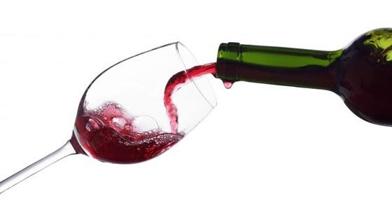 Seis consejos para conservar una botella de vino abierta (si merece la pena)