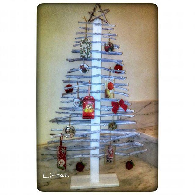 El refugio de lirtea rbol de navidad con ramas de cerezo - Arbol de navidad con ramas ...