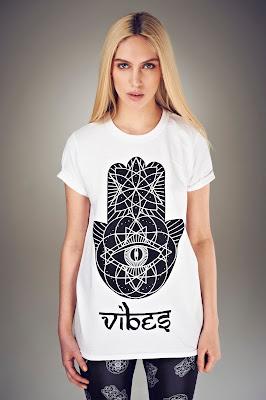 iamVibes White Geometric Hamsa Tee