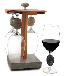 Pirouette Wine Glass Display with 4 Seastone Wine Glasses