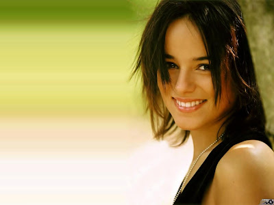 Alizee Hollywood Singer Wallpaper