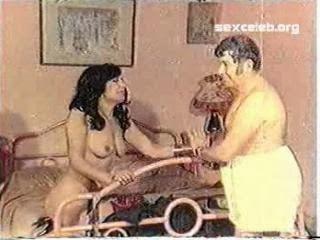 Zerrin Egeliler şehvetli seks videosu