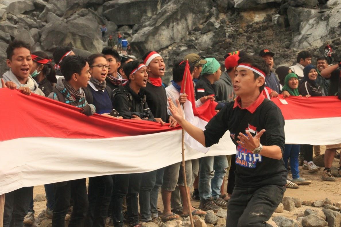 Indonesia Raya di Puncak Sibayak