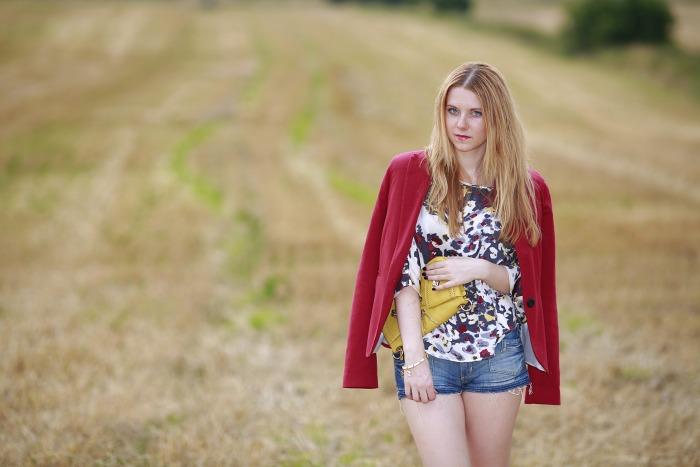 lucie srbová, módní blogerka, burgundy