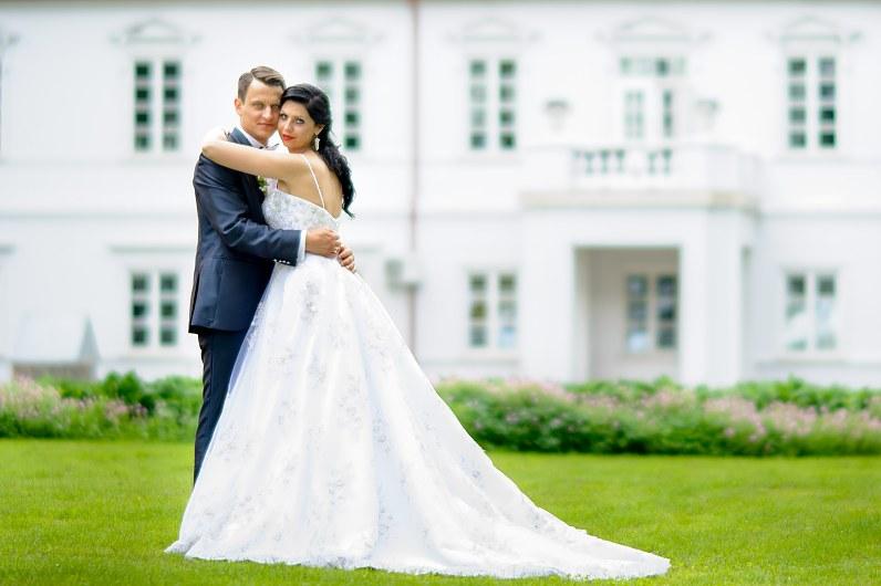Vestuvių fotosesija Bistrampolio dvaro parke