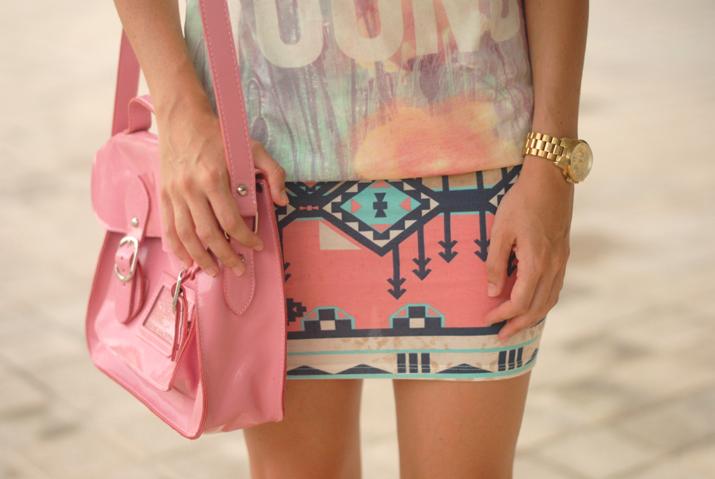 Falda con print étnico en el blog de moda Mes Voyages à Paris
