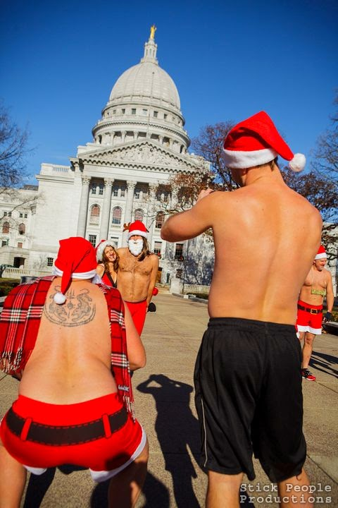 Madison WI Santa Swimsuit Run  (c)Kelly Doering, Photographer