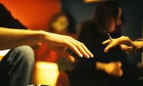 fumar maconha em público