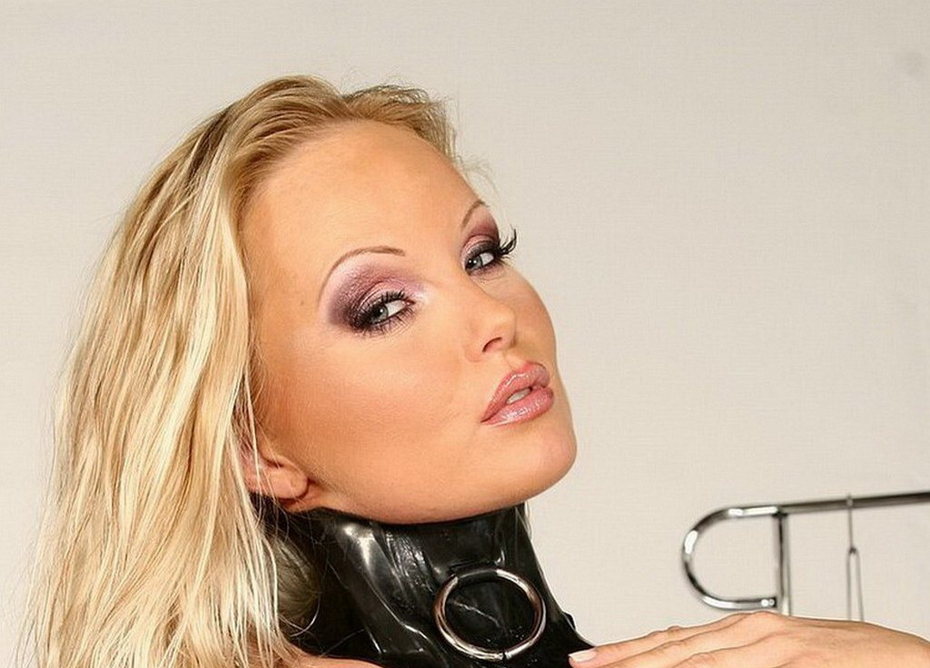 silvia saint girl friends