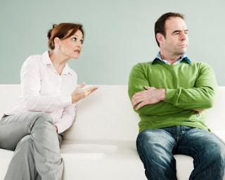10 Sikap Yang Membuat Suami Malas Mendengarkan Omongan Istri [ www.BlogApaAja.com ]