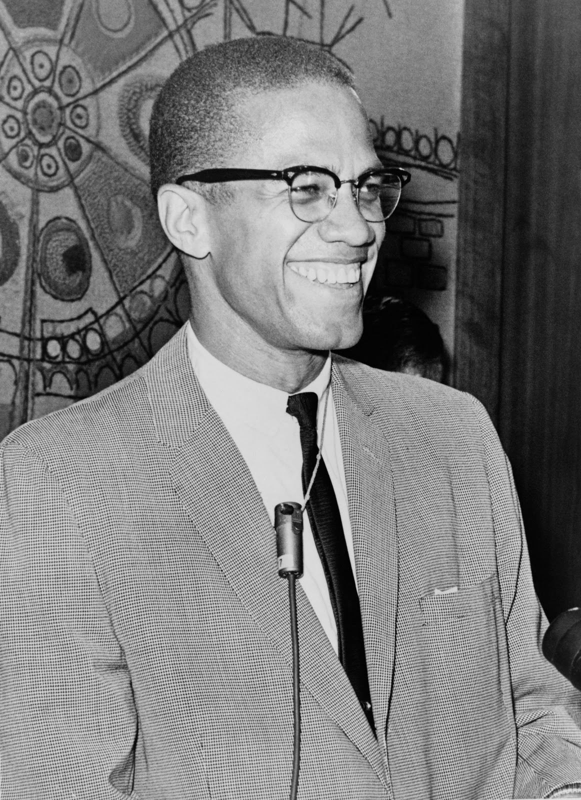 a biography of malcolm x Malcolm x (1925–1965) was an american muslim minister and human rights activist to his admirers he was a courageous advocate for the rights of blacks.