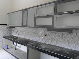 furniture semarang - kitchen set minimalis pintu kaca engsel hidrolis 06