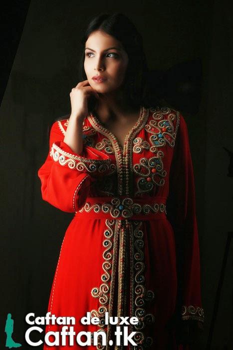 Caftan haute couture rouge orné