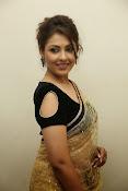 Madhu shalini sizzling pics-thumbnail-8