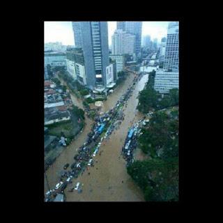 Foto Banjir Jakarta Via Instagram