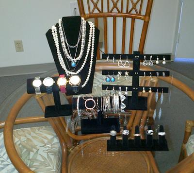 displaying-jewelry-properly