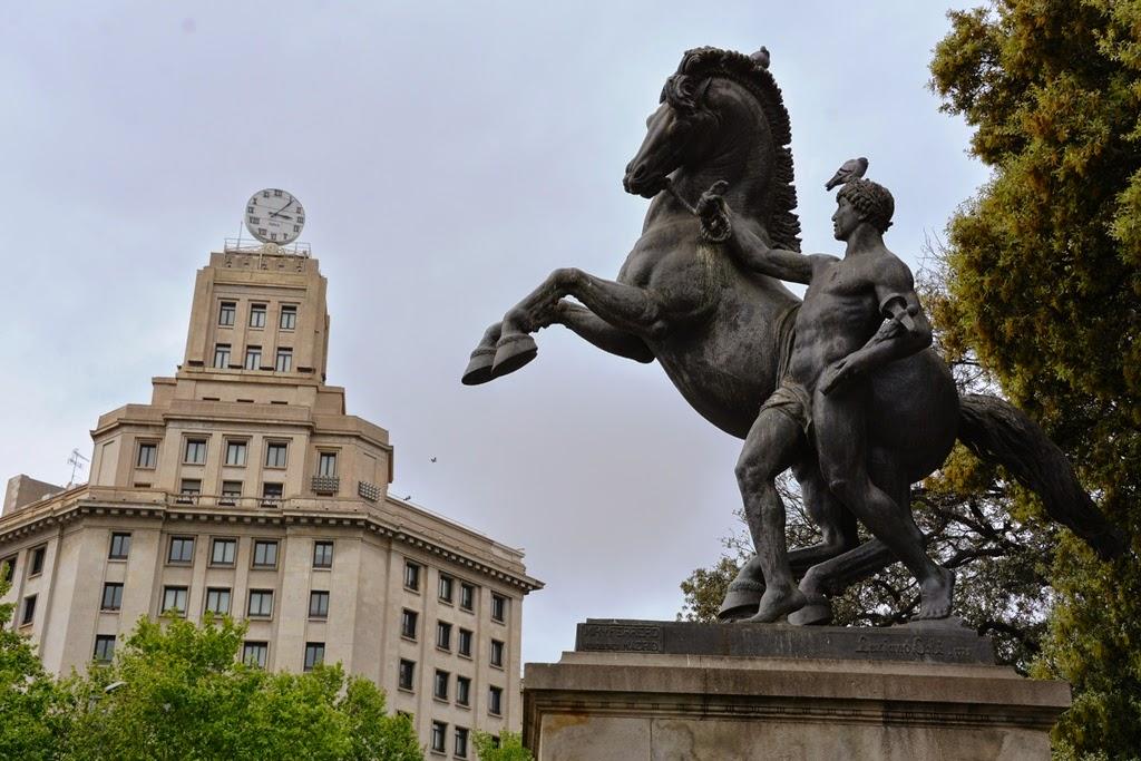 Plaza Catalunya Barcelona horse