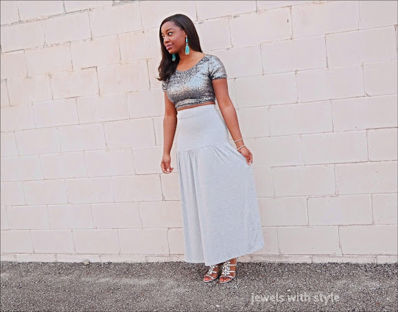 how to wear a maxi skirt, dress up my maxi skirt, cute maxi skirt, gray maxi skirt, how to wear a sequin top, silver sequin crop top, jewels with style, black fashion blogger, how to wear sequins