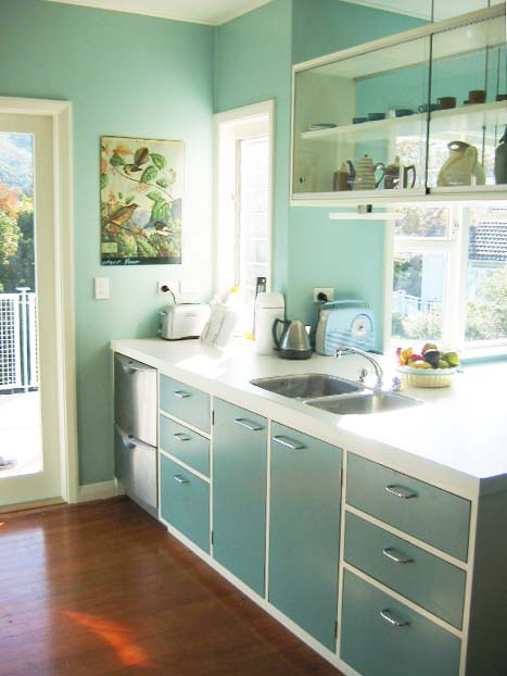 Esdesign one from the archives 60 39 s kitchen design for Modern 50s style kitchen