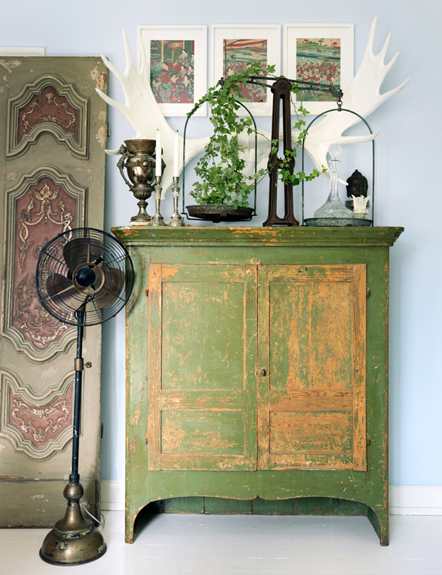 decorar un estudio con muebles vintage antiguos -gabinete verde decoracion