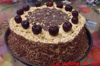 http://la-cuisine-et-moi.blogspot.fr/2012/08/foret-noire.html