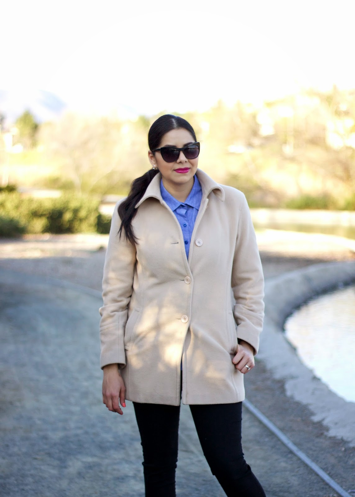 Tan coat, how to look chic in a cream coat, cream coat, chambray outfit, what to wear furing NYFW, what to wear this winter
