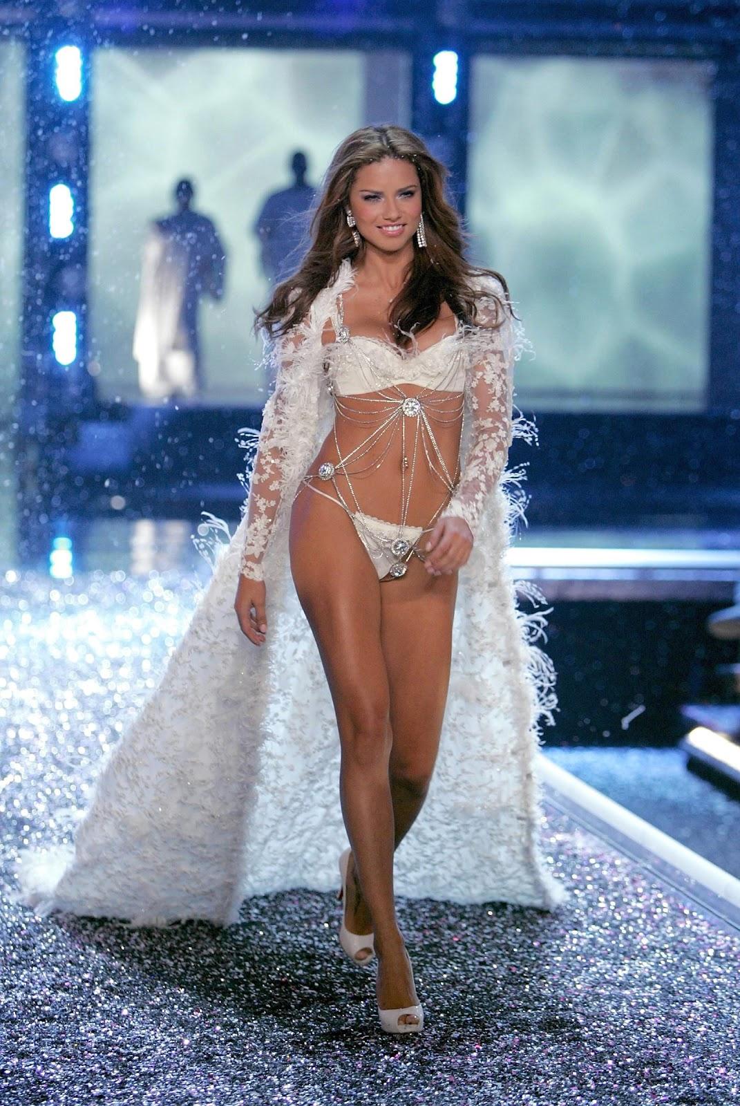 Taste Of Beauty Victoria 180 S Secret Runway Costumes Best Of