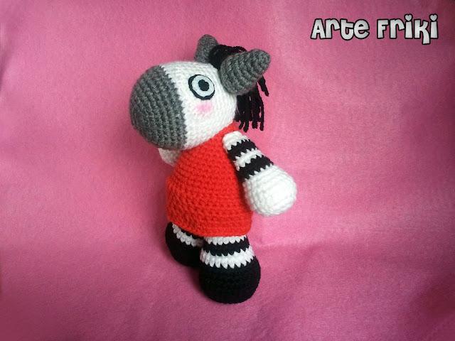 cebra zebra amigurumi doll crochet ganchillo peluche muñeco animal handmade