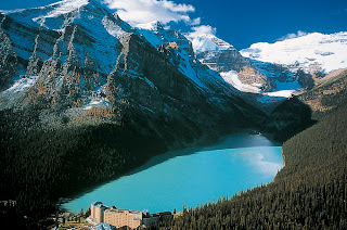 Lake Louise nice view by skyline
