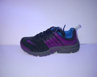 Sepatu Nike Presto