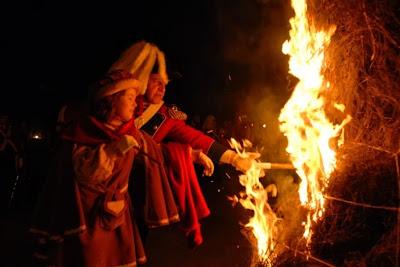 La quema de los scarli a manos de los abbá