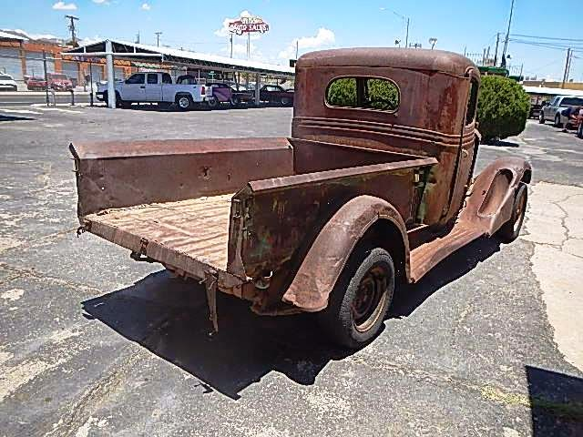 Then This Fresh Barn Find Is For You Sale A 1934 International Harvester 1 2 Ton Truck That Has Been Sitting In Southern New Mexico