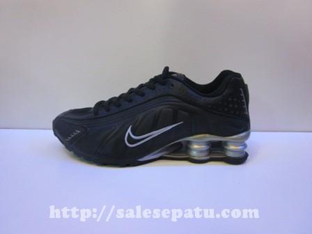 Sepatu Nike Shox Hitam