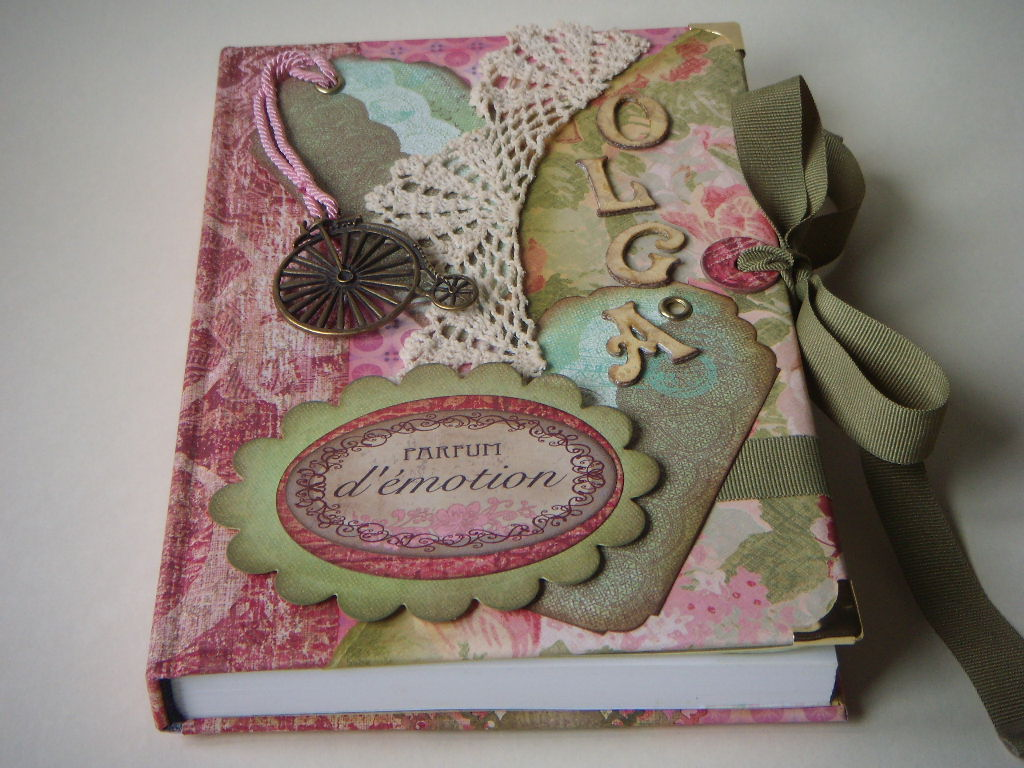 Menina linda scrapbook quero toodos for Decoracion de casas hechas a mano