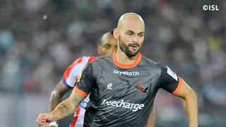 Delhi Dynamos FC retain Hans Mulder