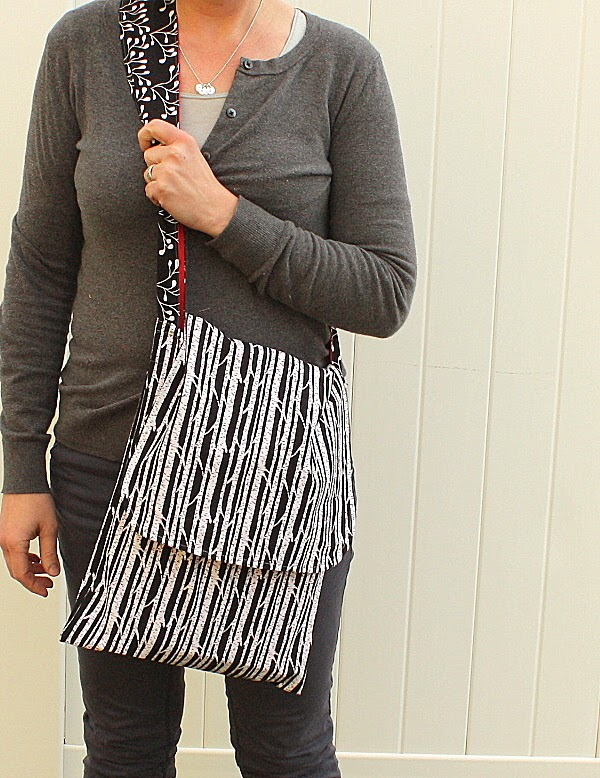 Easy Mod Messenger Bag tutorial - Diary of a Quilter