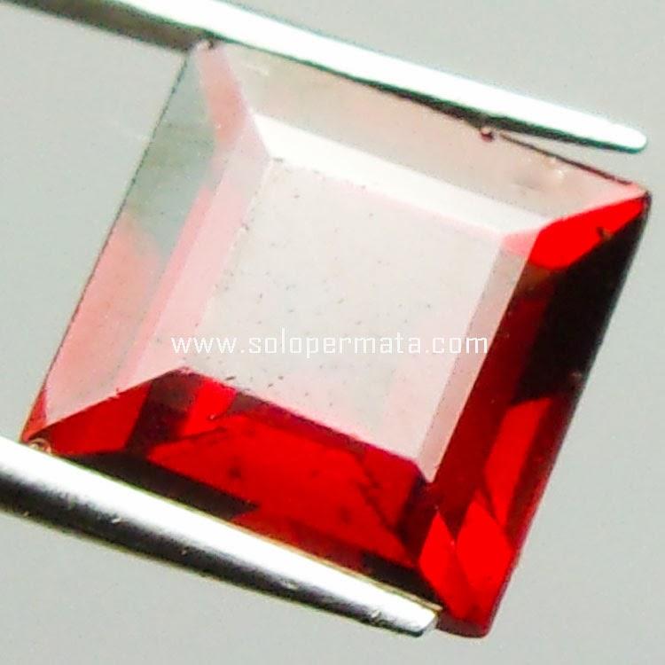 Batu Permata Red garnet - 23A03
