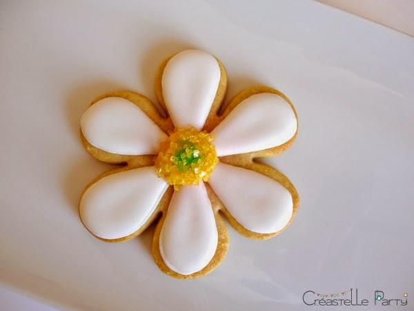 coeur décoré de sucre jaune
