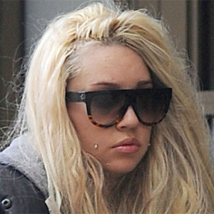 Amanda Bynes calls President Obama and the First Lady 'ugly' on Twitter