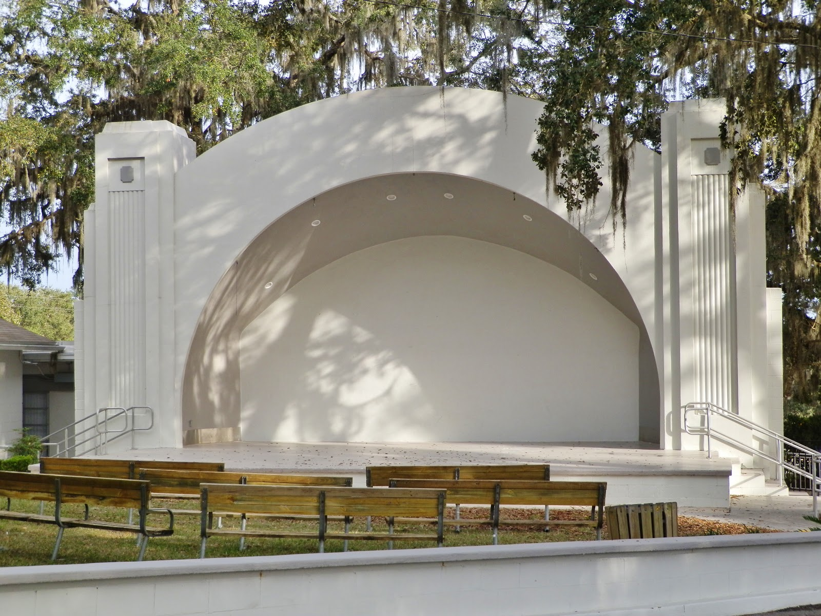 Places to go buildings to see hernando park bandshell for Sheds in brooksville fl