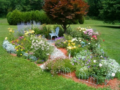 House Designs: Flower Garden Design Ideas