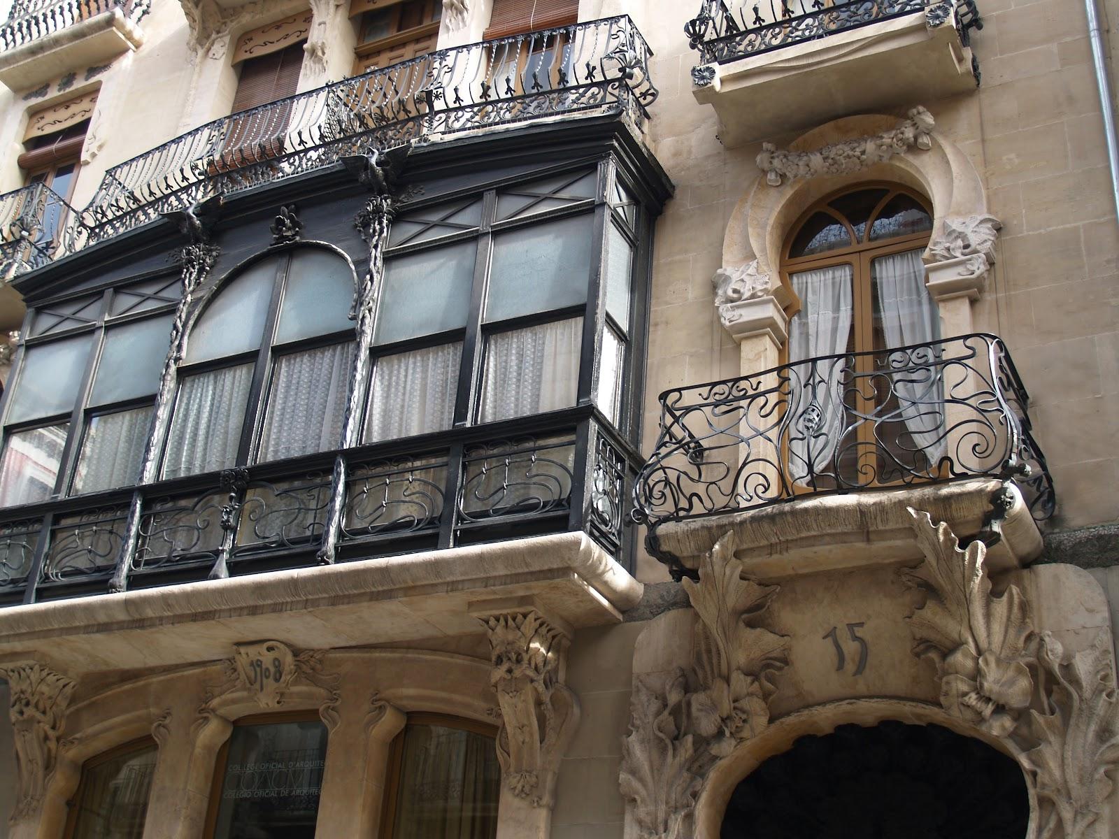 Apuntes de viajes las comarcas de interior una vuelta - Balcones de forja antiguos ...