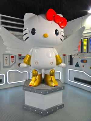 Robot Kitty Wings Taiwan Exhibition