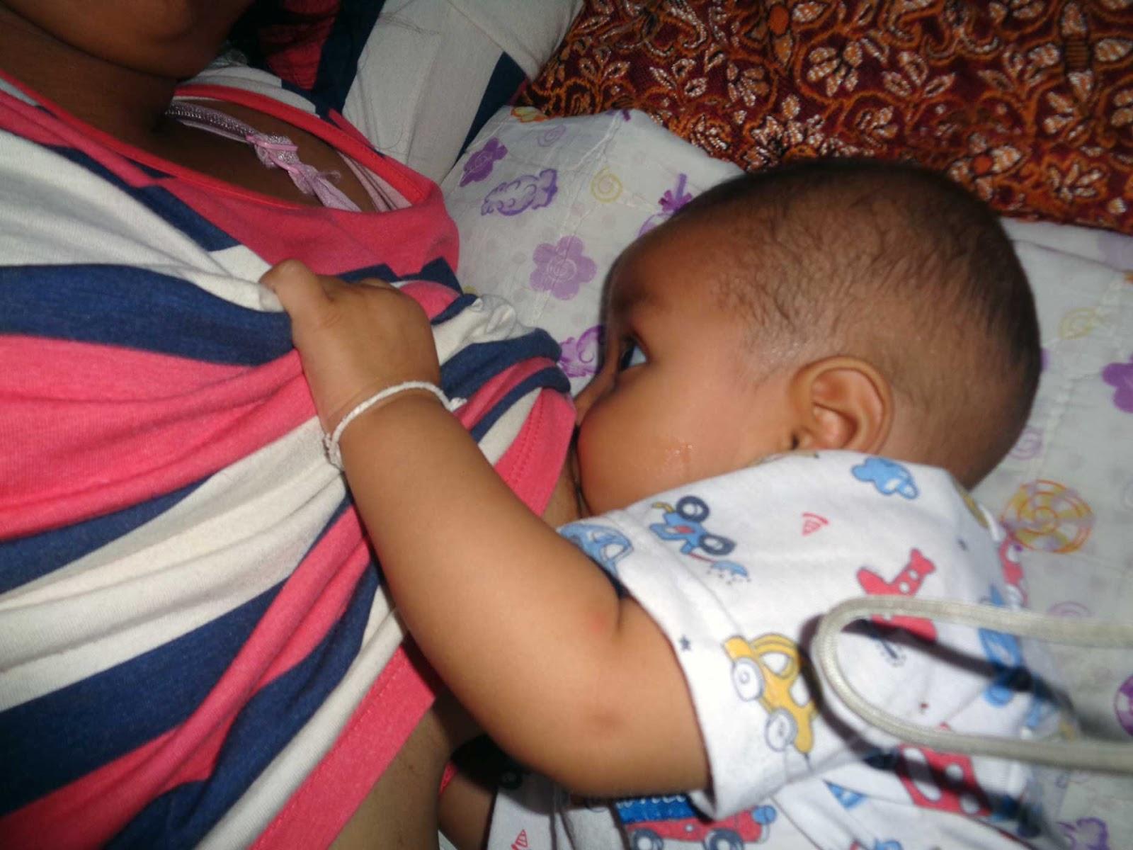 Und Inzwischen Haben Wir Sogar Ein Baby Bekommen, Das Wir Alexandra Nennen.  Sie Wurde Am 28.3.15 Um 1:37 Uhr Mit 3.9 Kilo Normal Und Gesund Geboren.