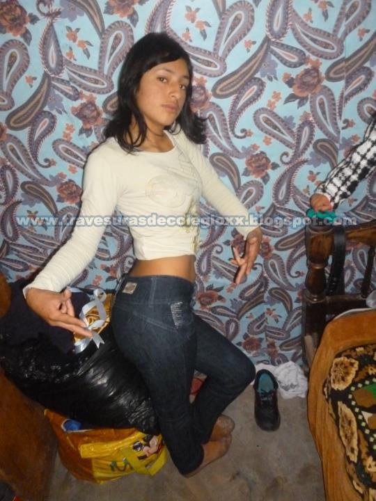 Fotos Bella Colegiala Virgen Posando Sey