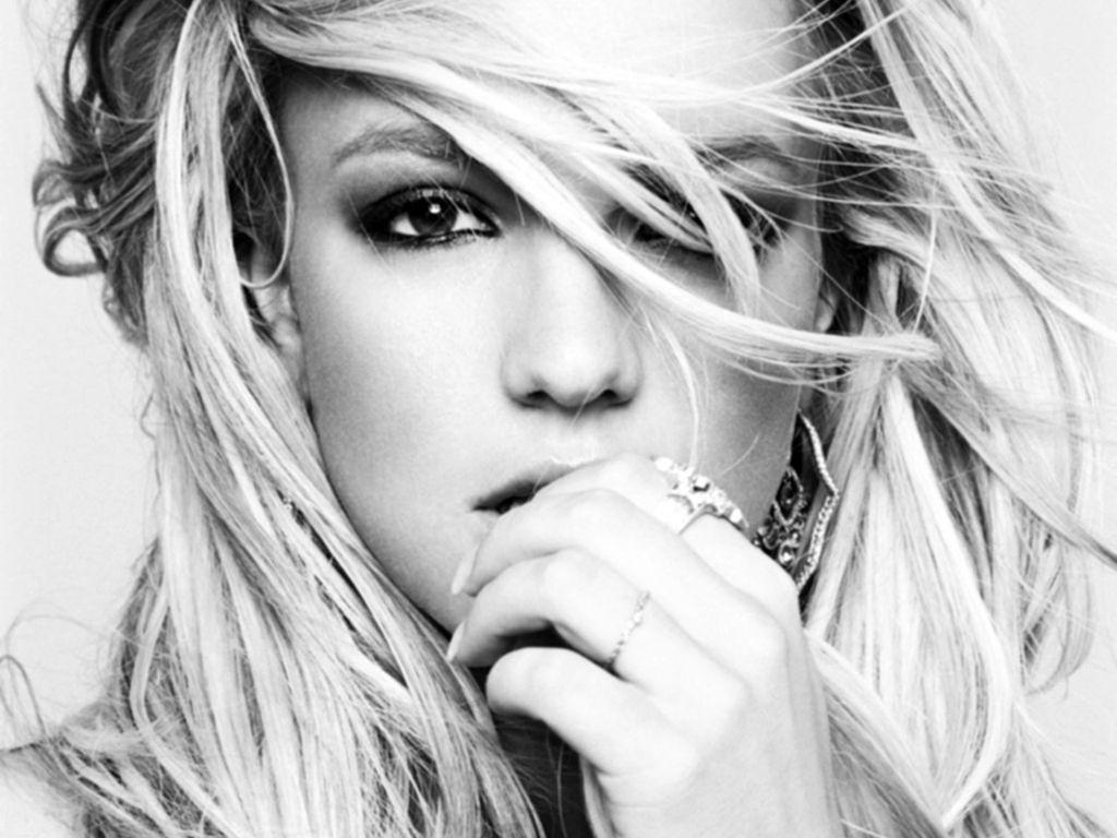 http://4.bp.blogspot.com/-negoKwwDNNQ/Tt-d4UlFGZI/AAAAAAAAD8M/6EkoL0RUMM4/s1600/1+Britney-Spears.JPG