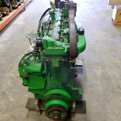 John Deere 9500 combine engine